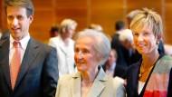 Quandts lösen Aldi-Besitzer als reichste Deutsche ab