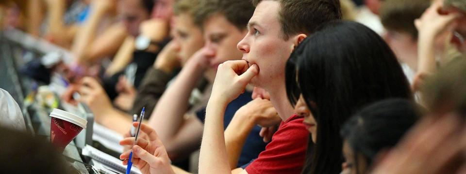 Stipendium Für Frauen neue studie weniger stipendien für frauen und zuwanderer cus faz