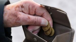 5,7 Millionen Deutsche von Altersarmut bedroht
