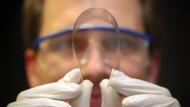 Ultradünnes Glas lässt die IT-Branche träumen