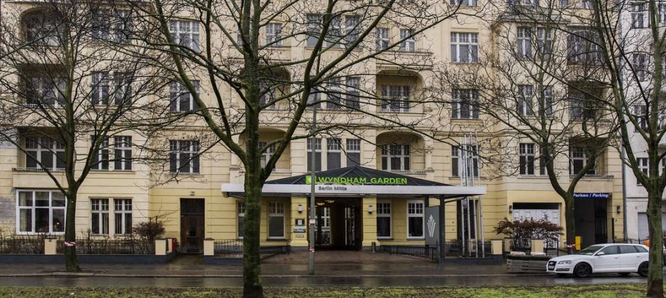 Anmietung Von Hotels 18 000 Euro Je Fluchtlingsbett In Berlin