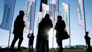 """Kaeser nennt Proteste gegen Siemens """"fast grotesk"""""""