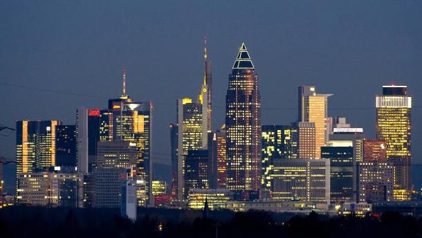 Frankfurter Skyline im Sonnenuntergang