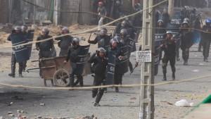 Kambodschas Armee feuert auf Textilarbeiter