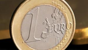 EU deutet Hilfe für defizitäre Euro-Staaten an