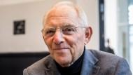 Wolfgang Schäuble vor Beginn der ersten Sitzung der neuen Unionsfraktion an diesem Dienstag.