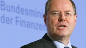 Steinbrück erwartet 200 Milliarden Euro mehr
