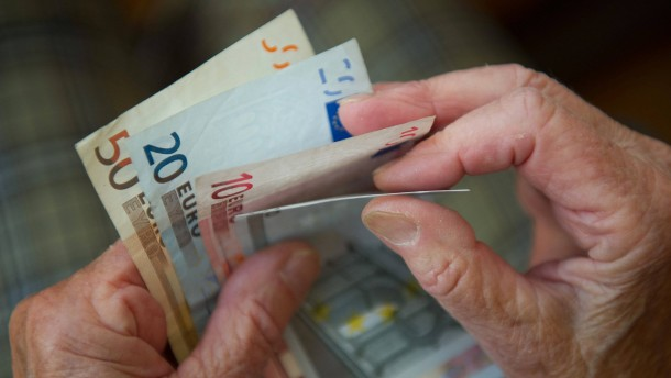 Rentenkasse macht 2,2 Milliarden Euro Minus