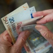Mütterrente und Rente mit 63 führen zu steigenden Ausgaben.
