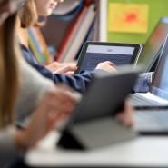 Bei den Familien mit besonders geringen Einkommen hatten 18 Prozent kein Laptop oder Notebook.