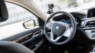 Auch viele Entwickler von BMW tüfteln an immer eigenständiger fahrenden Autos.