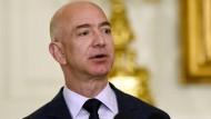 Jeff Bezos spielt einen Außerirdischen im Kino
