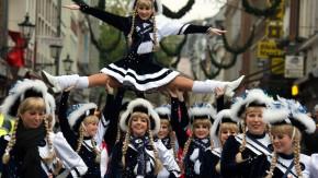 Mein Urteil: Bin ich wegen einer Schlägerei an Karneval meine Stelle los?