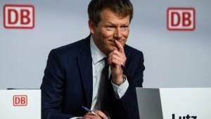 Atempause für Bahnchef Lutz