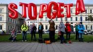 EU-Minister vertagen Entscheidung über Ceta