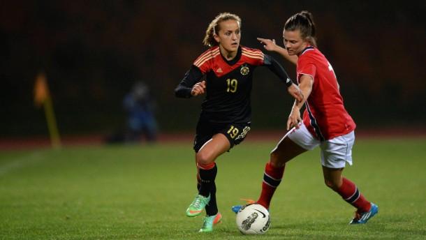 DFB-Frauen stürmen ins Finale