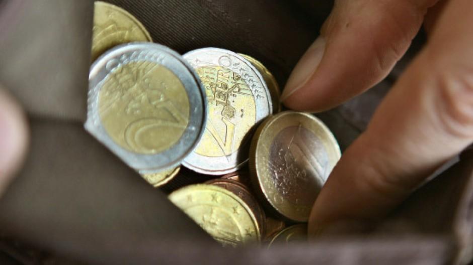 Die Bundesbank warnt vor Eingriffen in den Marktprozess - wenn der künftige Rettungsfonds Anleihen finanzschwacher Euro-Staaten kauft