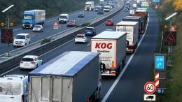 EU zwingt Lastwagenhersteller zu mehr Klimaschutz