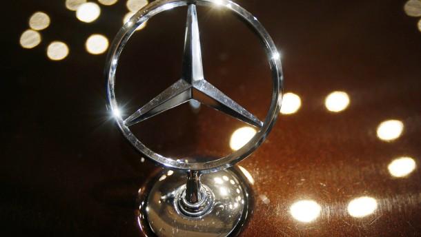 Daimler feiert Rekordjahr