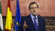 """Der """"geschäftsführende"""" Ministerpräsident von Spanien, Mariano Rajoy, kann über die Entscheidung der EU freuen."""