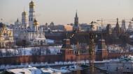 Nähern sich der Westen und der Kreml irgendwann wieder einander an? Die Hoffnung stirbt zuletzt.