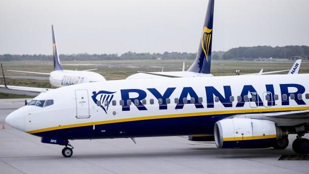 Ryanair kappt Gewinnprognose