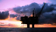 Ölplattform des norwegischen Statoil-Konzerns: Die Ölindustrie in der Nordsee leidet unter dem niedrigen Ölpreis.