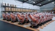 In Folie verpackt: Roboter in einem Kuka-Werk in Schanghai