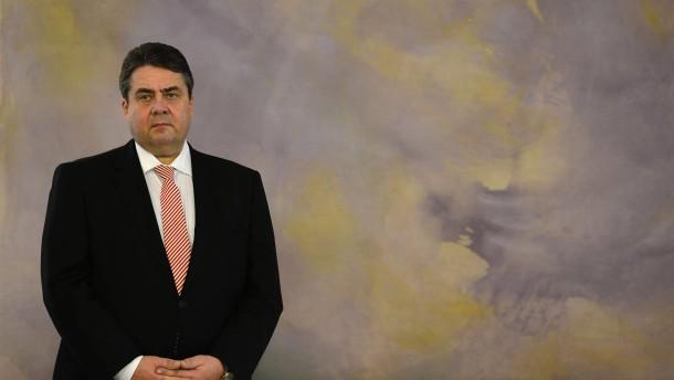 Gabriel behält FDP-Staatssekretär im Amt