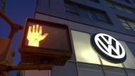 Der VW-Abgasskandal ist nur einer vieler Unternehmensskandale der jüngeren Geschichte.
