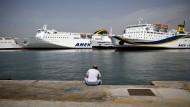 Griechenland bringt Verkauf des Hafens von Piräus auf den Weg