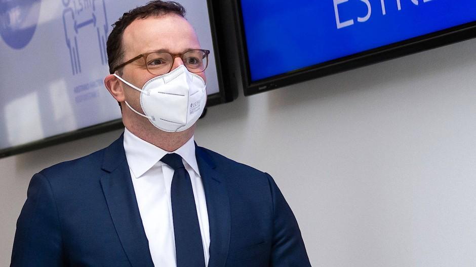 Auf dem Weg zur Eröffnung des Deutschen Ärztetages: Gesundheitsminister Spahn