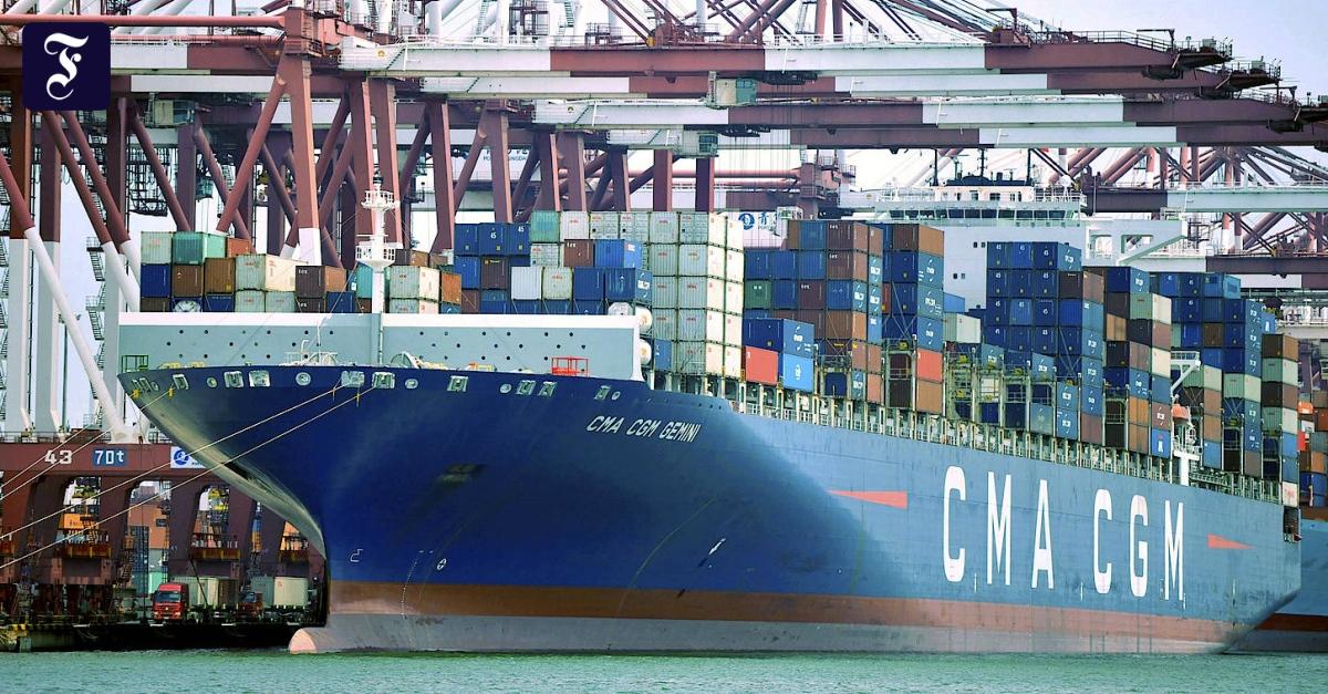 Außenhandel: Chinas Export fällt wegen Corona stark