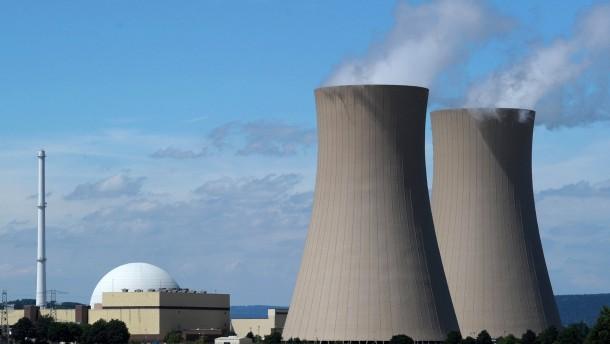 Giftiger Streit über Rückbau der Atommeiler