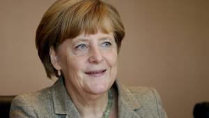 Merkel: Soli wird nicht kurzfristig abgeschafft