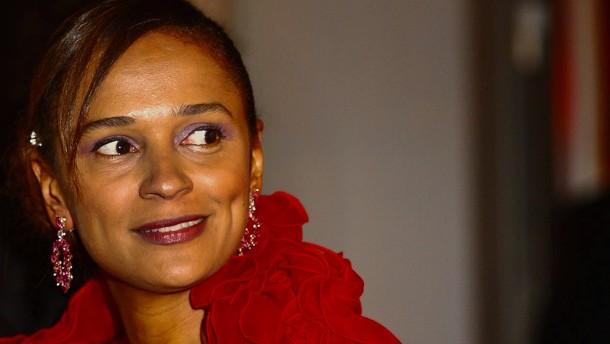 Afrikas reichste Frau ringt um Bank in Portugal