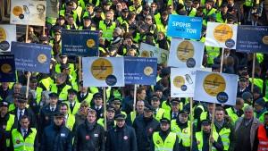 Piloten-Streik treibt Keil in die Lufthansa-Belegschaft
