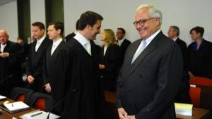 Ein konsternierter Richter im Deutsche-Bank-Prozess