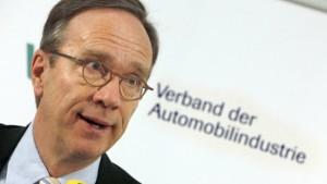 Autoindustrie fordert schnelle staatliche Hilfe