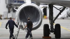 Die Lufthansa-Rettung hängt in der Schwebe