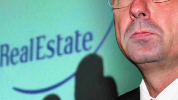 Krisenbank-Manager klagen Gehalt ein
