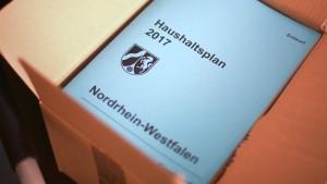NRW erzielt ersten Haushaltsüberschuss seit mehr als 40 Jahren