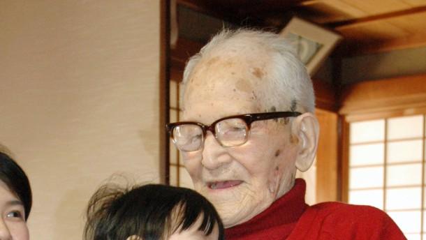 Jirouemon Kimura - ältester Mann