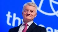 """""""Ich glaube nicht, dass einer den anderen kauft"""", sagt Thyssen-Chef Heinrich Hiesinger zur Zukunft der Stahlbranche."""