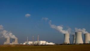Ausschreibung für neues Atomkraftwerk verschoben