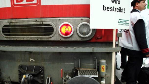 Etappensiege der Bahn gegen die Lokführer