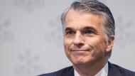 Dieser Schweizer Bankchef bekommt etwas weniger Geld