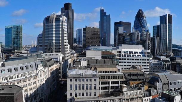 Banken frieren Boni für Devisenhändler ein