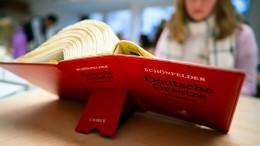 Der Bundestag verlängert die Regelstudienzeit für Jura