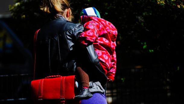 Statistik: Mehr als 2,3 Millionen Muetter sind alleinerziehend